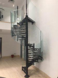 Лестничное ограждение Проспект Вернадского, стекло 12мм (2)